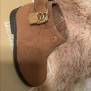 Michael Kors girl Boots size 6